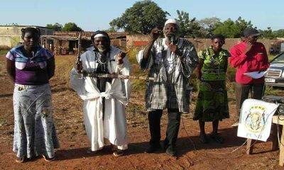 Campagne 2012 : Boukary Kaboré dit « Le Lion » explique les idéaux de son parti à la population de Léna
