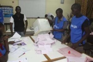 Enrôlement biométrique 2014 au Burkina : 800.000 personnes de plus sur le fichier électoral avec des cas de doublons !