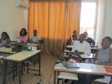 Des étudiants en cours du jour à GSM Ouaga