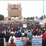 Les marches et meetings de l'opposition (ici la marche du 28 juillet 2013 à Ouaga),ont permis de faire des amendements notables pour le Sénat, ce qui semble dégager une adhésion ou tolérance graduelles pour cette seconde chambre parlementaire.