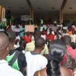 Des étudiants au palais de justice de Ouagadougou lors du procès des 50 étudiants incarcérés