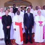Le président du Faso(2è à partir de la droite) avec des émissaires du Vatican pour la cause du Sahel.
