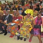 Des femmes battantes d'Afrique pour une meilleure impulsion du continent sur la voie du développement et de la paix.Image du congrès de la femme africaine 2013 à Abidjan.