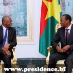 Le représentant spécial adjoint de la MINUSMA, Abdoulaye Bathily a remercié le président Blaise Compaoré(à droite) pour ses efforts de paix au Mali .