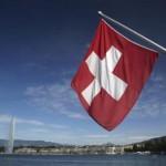 Les milieux économiques suisses se sont unis lundi 6 janvier dans une démarche exceptionnelle, contre une initiative du parti de droite populiste. REUTERS/Denis Balibouse/Files