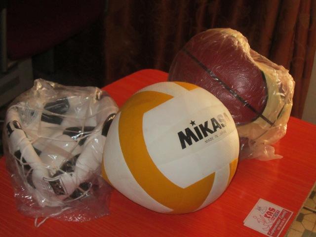 Dotez vos clubs et différentes équipes de football des ballons aux normes internationales chez KRAS équipementier sportif.