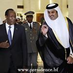 Très satisfait, Blaise Compaoré(à gauche) regagne Ouagadougou, le 18 février 2014, au terme d'une visite qui a rehaussé la coopération bilatérale entre l'Emirat du Qatar et le Burkina Faso.