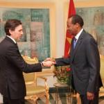Benedito Gaspar (à gauche)a indiqué que le roi, Juan Carlos, accorde également un intérêt à la coopération avec «le pays des hommes intègres», au regard, dit-il, du «rôle important» joué par le Burkina Faso pour la paix, la sécurité, le développement de l'Afrique et la lutte contre le terrorisme.