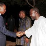 Le Professeur Nazinigouba OUEDRAOGO(à droite) salué par le président du Faso, est le deuxième Médecin Général des Forces Armées Nationales du Burkina.