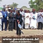 Financé par la Banque mondiale et le gouvernement burkinabè à hauteur de 93 millions de dollars américains, environ 46 milliards et demi de FCFA, le PNGT2/phase3 vise à contribuer au développement à la base de 302 communes rurales dans les 13 régions du Burkina Faso.