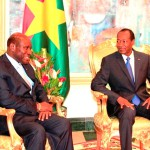 La visite du Premier ministre ivoirien(à gauche) au Burkina intervient à deux mois de la prochaine rencontre de haut niveau entre les deux pays sur le Traité d'amitié qui se tiendra en juillet 2014.