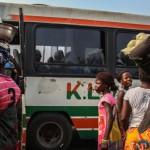 Bus reliant San Pedro à Grand Lahou, en Côte d'Ivoire. Février 2014.RFI/Matthieu Millecamps