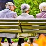 L'âge moyen de décès est de 86,4 ans, il est plus élevé chez les femmes que chez les hommes. © GILE MICHEL / SIPA