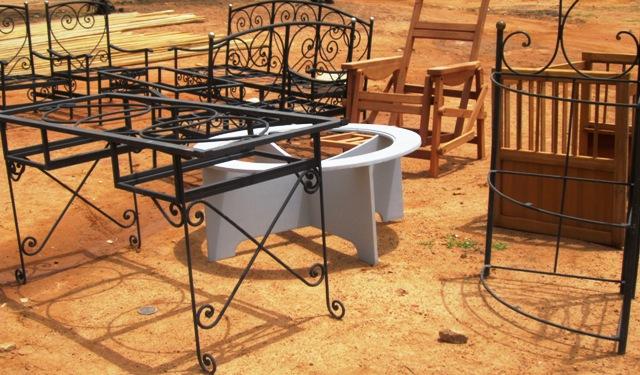 Une gamme de meubles en bois et fer à votre choix chez NTBF.