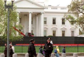 L'intrus de la Maison Blanche détenait 800 cartouches dans sa voiture