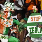 Un supporter ivoirien qui promeut la lutte contre le virus Ebola.AFP PHOTO / ISSOUF SANOGO