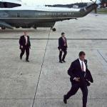 Protection rapprochée autour du président Obama le 1er octobre 2014 lors d'un déplacement à Chicago.REUTERS/Larry Downing