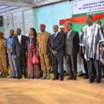 Les représentants des composantes sociales du Burkina qui ont signé officiellement la charte de la transition le 16 novembre 2014 à la Maison du peuple de Ouagadougou dans une ambiance de ferveur révolutionnaire,de dignité et de patriotisme .