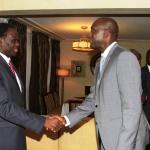 Le Président du Faso,Michel Kafando-(à gauche) a réussi  à renouer le fil du dialogue avec la Banque Mondiale qui avait suspendu sa coopération avec le Burkina jusqu'au retour à un régime civil.