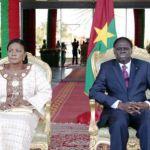Le président du Faso  Michel Kafando (en compagnie de son épouse) a salué le travail abattu par ses collaborateurs et s'est engagé à relever avec eux, les défis qui se présentent.