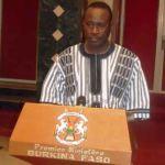 """Le Premier ministre Yacouba Isaac ZIDA a prononcé le 1er avril 2015 le message sur la situation nationale: """"Refuser de s'impliquer ici et maintenant aux côtés du Gouvernement de Transition dans le travail d'information, d'éducation et de sensibilisation de leurs militants et sympathisants sur le sens de la transition actuelle, sur ce qu'elle peut offrir et sur ce qu'elle ne peut pas offrir dans le délai imparti par la Charte de transition, c'est paver la route vers un Burkina post-transition ingouvernable."""""""