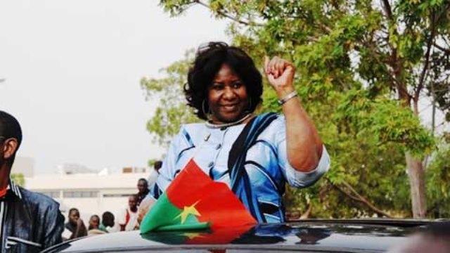 Mariam Sankara, épouse du défunt président burkinabè Thomas Sankara est arrivée à Ouagadougou le jeudi 14 Mai 2015.