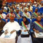 Des députés du CNT lors du discours du premier ministre Zida sur l'état de la nation burkinabè sous la transition.Ces députés désignés de la transition cèdent leurs fauteuils aux 127 députés élus le 29 novembre 2015 pour une Assemblée nationale issue de scrutin populaire.