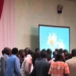 L'assistance après le tirage au sort informatisé de l'ordre de passage des partis et candidats dans les médias publics pour les campagnes électorales des élections couplées 2015 au Burkina.