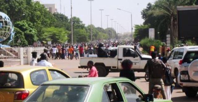 Burkina Faso: après une gifle populaire contre le gouvernement, il lève le couvre-feu à partir du 3 Juin 2020 !