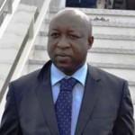 Le Premier ministre THIEBA à sa descente d'avion le 7 janvier 2015 à l'aéroport de Ouagadougou.(Photo:lefaso.net)