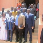 De gauche  à droite:le président du Conseil constitutionnel,Kassoum Kambou,Nathalie Somé,présidente du CSC,Simon Compaoré ,ministre d'Etat et d'autres personnalités dont le ministre de la communication ,Rémis Dandjinou,le président de la CENI,Me Barthélémy Kéré ont participé au lancement de la campagne d'éducation aux médias le 15 mars 2016 dans la perspectives des élections municipales du 22 mai 2016 au Burkina.