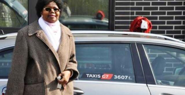 La femme burkinabè conductrice de taxi à Paris