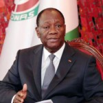Sur le fond d'abord : la coalition rejette les principaux points du projet. Pour elle, la nomination d'un vice-président par le chef de l'Etat est une dérive monarchique qui permettrait à Alassane Ouattara de choisir son successeur. Même chose concernant la création d'un Sénat dont le tiers serait nommé par le président.