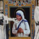 Mère Teresa a été canonisée par le pape François le dimanche 4 septembre 2016. REUTERS/Stefano Rellandini