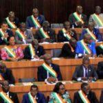 Sur 249 suffrages exprimés, 239 députés ont voté pour l'avant-projet de nouvelle Constitution mardi 11 octobre 2016. © REUTERS/Luc Gnago