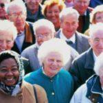 L'augmentation de la survie chez les personnes âgées de plus de 100 ans a commencé à plafonner, puis à baisser à partir de 1980. Getty Images / Bob Thomas