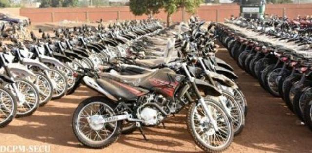 Des motos performantes aux forces de sécurité du Burkina pour la traque des bandits
