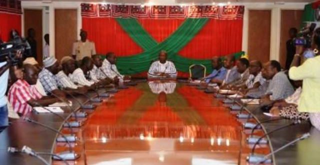 Grève des transporteurs routiers au Burkina:l'appel du Premier ministre THIEBA pour la reprise du travail