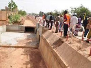 Travaux d'entretien routier à Ouagadougou;des consignes de sécurité à respecter