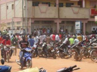 Programme gouvernemental 3.000 permis de conduire pour jeûnes : bousculades le 06 Octobre 2017 à Ouagadougou