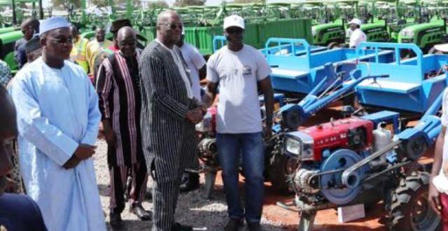 Bientôt une unité de montage de tracteurs et motoculteurs au Burkina Faso