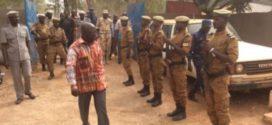 Visites du ministre d'Etat burkinabè Simon Compaoré aux forces de sécurité des régions du centre-ouest et sud-ouest les 8 et 9 décembre 2017