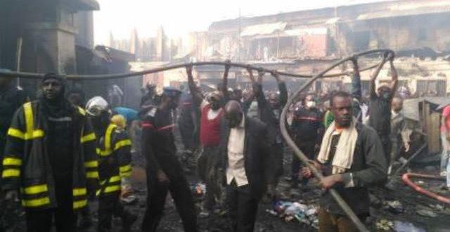Mali: le marché de Bamako ravagé par un violent incendie