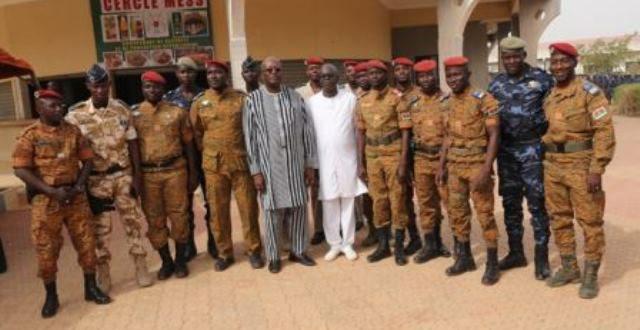 Le Président du Faso Roch Kaboré dans le camp de la sécurité présidentielle le 3 janvier 2018
