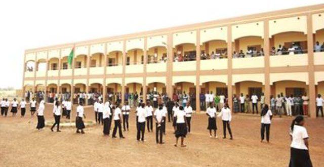 Elèves-maîtres stagiaires des E.N.E.P du Burkina:retour dans les écoles de formation le 17 juin 2018