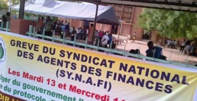 Les syndicats des Finances du Burkina suspendent leurs grèves à compter du 26 Juin 2018 suite à l'appel du président du Faso Roch Kaboré