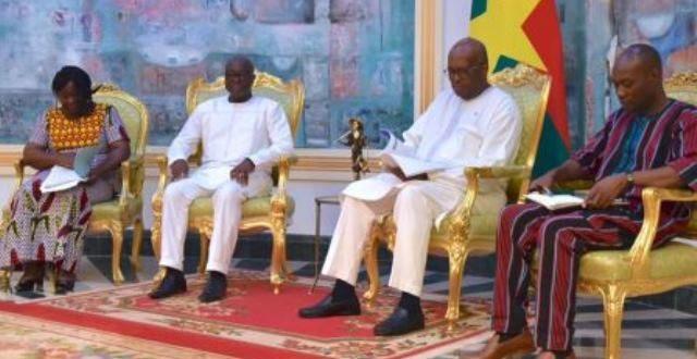 Haut Conseil pour la Réconciliation et l'Unité nationale (HCRUN) au Burkina:remise du rapport d'activités 2018 au président du Faso