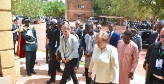 Politique africaine de l'Allemagne « Nous avons nos propres idées » selon la chancelière allemande Angela Merkel.