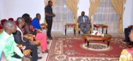 Jeunesse et politique : des jeunes leaders engagés en politique prennent conseil auprès du président du Faso.