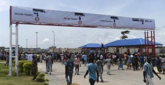 Fermetures des frontières terrestres du Nigeria:quand le président BUHARI perturbe inutilement la CEDEAO !